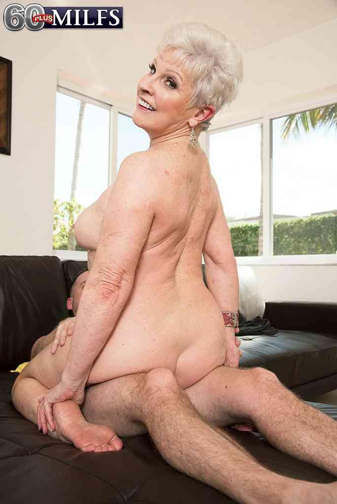 Порно с бабулями отличное качество