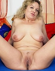 Horny chubby housewife has found a toy to play with