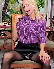 Payton Leigh is a horny business woman with a smoking cougar body