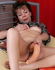 Smashing mature chick getting hooked by well-hung guy for wild fuck fest