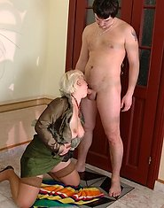 Milf in-heat intrudes into the bathroom for a dosage of fresh meaty filling