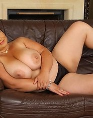 Some hot dildo action with our plump slutty gal Raquel Grant!