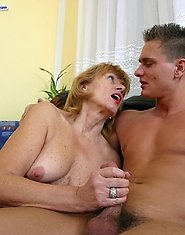 Horny young muscleman plows hairy mature snatch