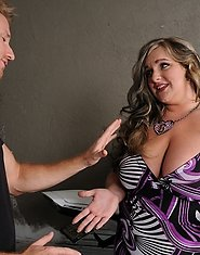 Veronica Vaughn wants to show the world why shes one of the top BBW porn girls on the web!