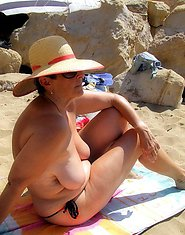 Amateur photos sex mature women at the beach